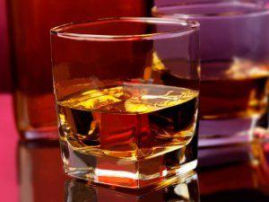 Алкогольные напитки: с чем пьют виски