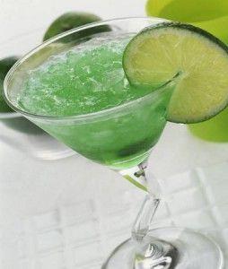 коктейль с колотым льдом и перно