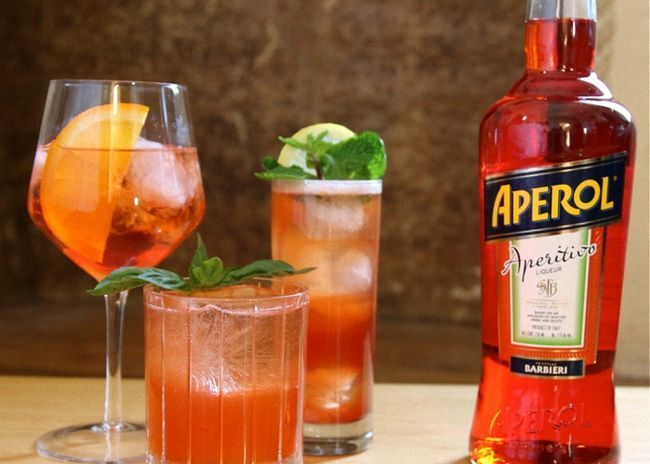 Подавать коктейль апероль со льдом
