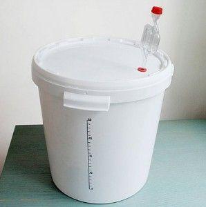 Бак для браги с гидрозатвором
