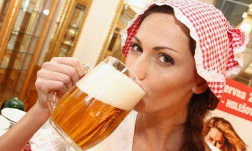 Чем чреват пивной алкоголизм у женщин?
