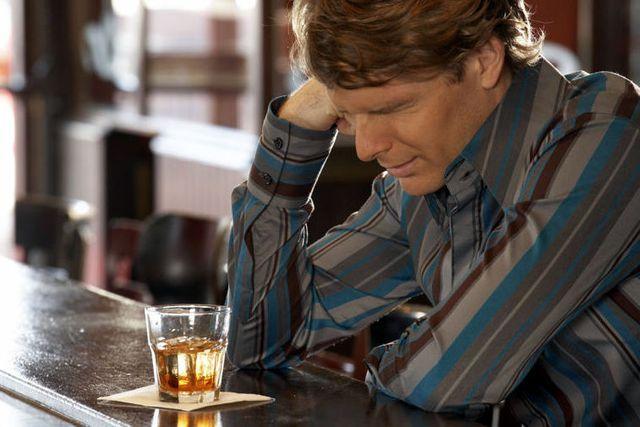 Через сколько выходит алкоголь из крови полностью?