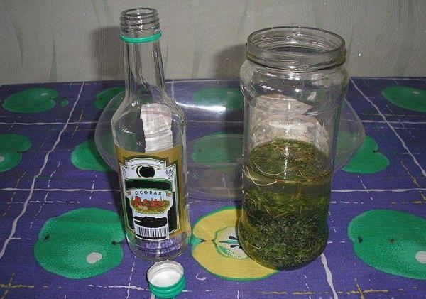 Чистотел на водке: рецепт настойки и ее применение