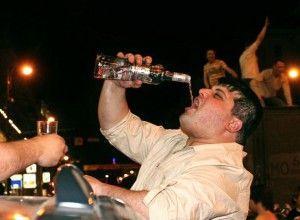 Чрезмерное употребление алкоголя: причины и последствия