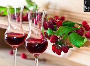 maline vino očala fotografiji