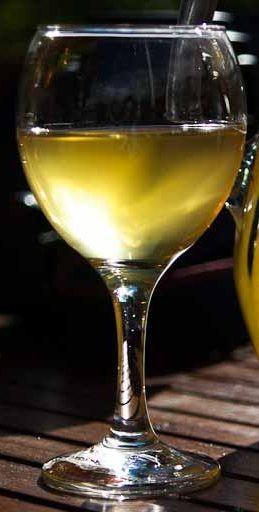 готовое самодельное вино из морошки