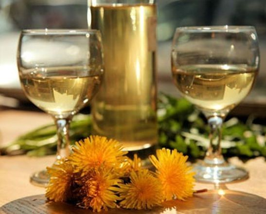 готовое домашнее вино из одуванчиков фото
