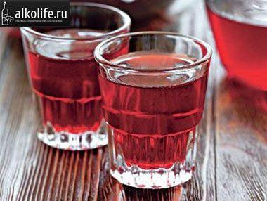 рюмки с вином из терна фото