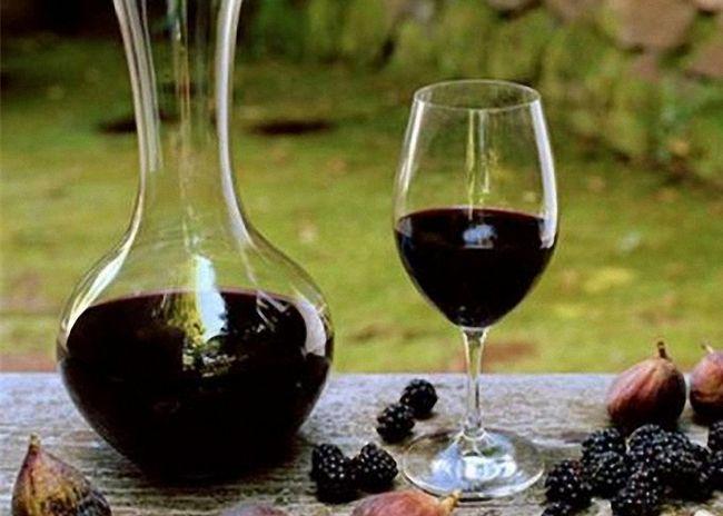 Рецепт вина из ежевики со жженым сахаром