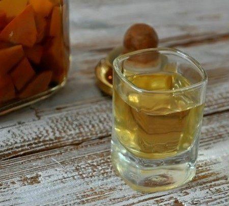 фото наливки из персиков на водке
