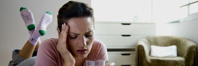 Головная боль от алкоголя – причины и способы избегания