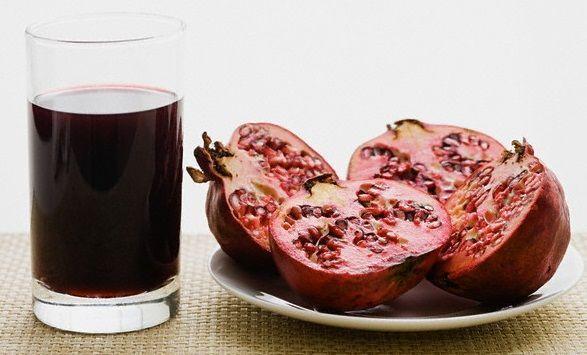 Voće i sok od šipka