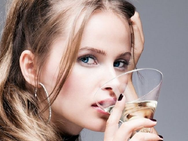 Характер женщины по алкогольным напиткам