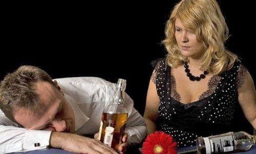 Как можно помочь бросить пить алкоголику — если он этого не хочет?