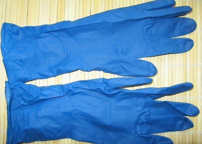 Вместо гидрозатвора можно использовать резиновую перчатку
