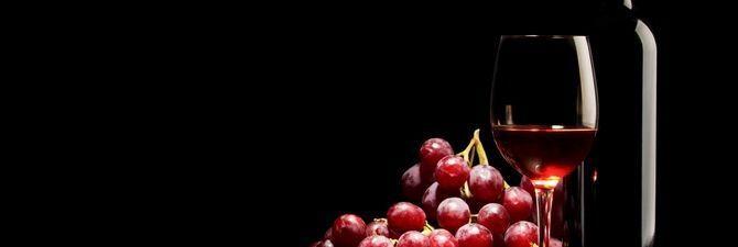 Как влияет на организм красное вино: польза и вред напитка