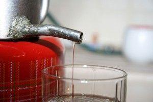 Какой водой разбавлять самогон?