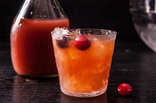 Карибская ночь. Лучшие коктейли с ромом и клюквенным морсом