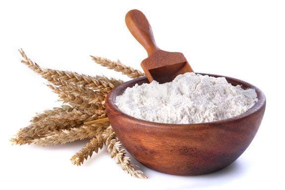пшеничная мука и колоски
