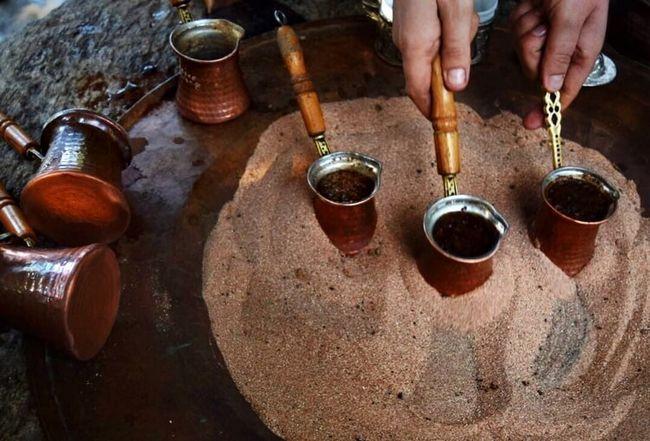 Sposoby przygotowywania kawy z Turks do aerodynamicznego prasy
