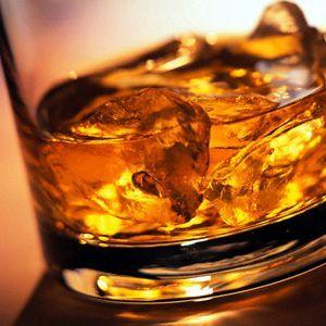виски в стакане