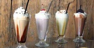Коктейли молочные с мороженым