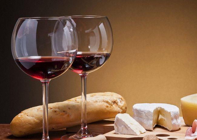 Красное сухое вино из слив