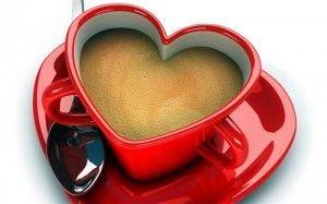 кофе в кружке-сердечком
