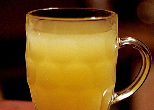 Готовую медовуху с изюмом пить охлажденной