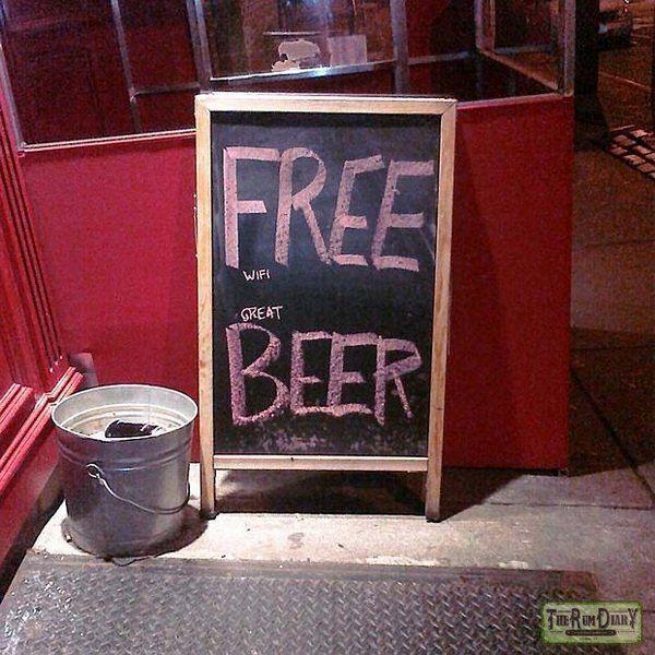Меловая доска и фантазия бармена: опасный тандем