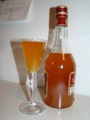 фото наливки из абрикосов с водкой