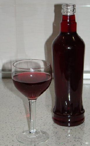 фото наливки из вишневого варенья с водкой