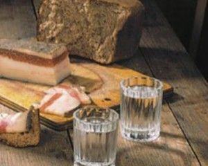 Очистка самогона хлебом в домашних условиях