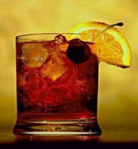 коктейль в стакане олд фешн