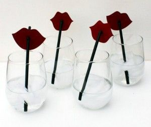 бокалы с трубочками