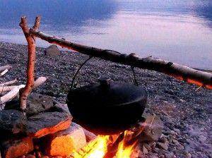 Camping - przygotować pyszne drinki na stosie