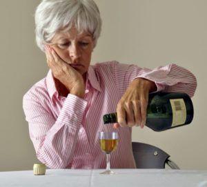 У женщин опьянение наступает быстрее, симптомы проявляются в большей степени