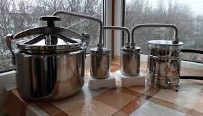 Achiziționarea de apă de ploaie la Moscova și pregătirea svikolnogo Moonshine