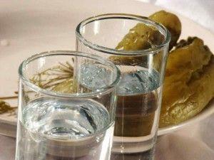 Полезно знать: почему нельзя запивать водку?