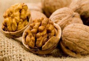 Полезные свойства грецкого ореха и настойки из него