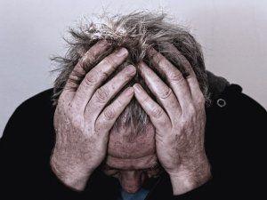 Причины, признаки и механизм развития деградации личности при алкоголизме