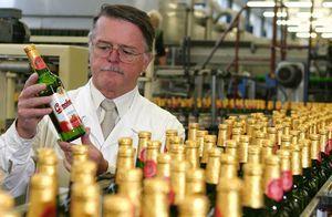 Производитель пива budweiser подал в суд на владельца...