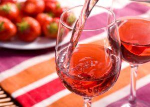Простые рецепты домашнего клубничного вина