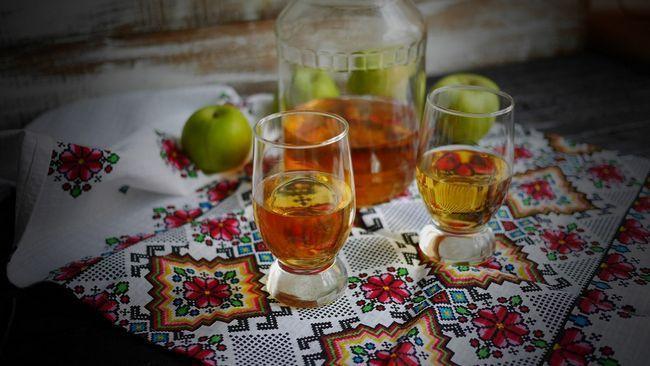 домашняя наливка из яблок и груш фото