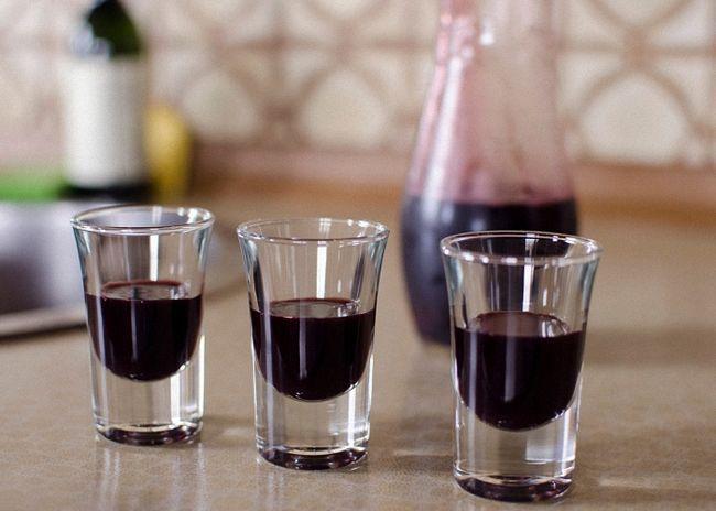 Рецепт домашнего ликера из черноплодной рябины