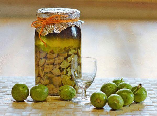 Рецепты домашних настоек с грецкими орехами