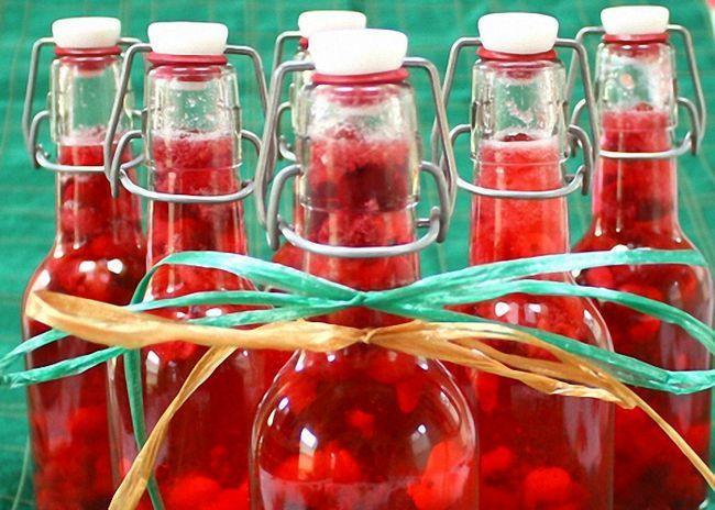 Быстрое приготовление водки с клюквой