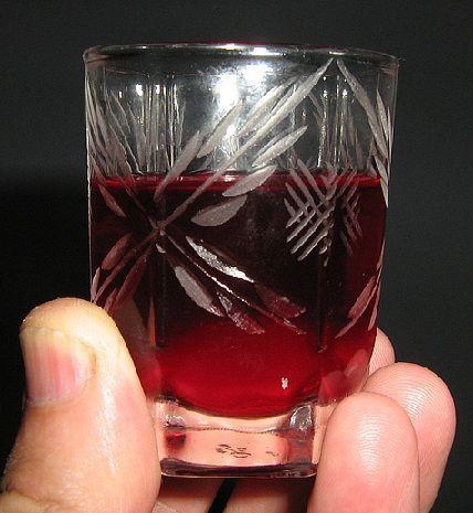 фото настойки водки на бруснике