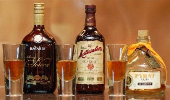 С чем пьют ром, как выбрать лучший способ в зависимости от цвета напитка
