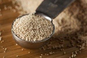 Сахарная брага, приготовленная на сухих дрожжах